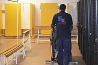 Limpieza de vestuarios de zonas comunes en centros deportivos